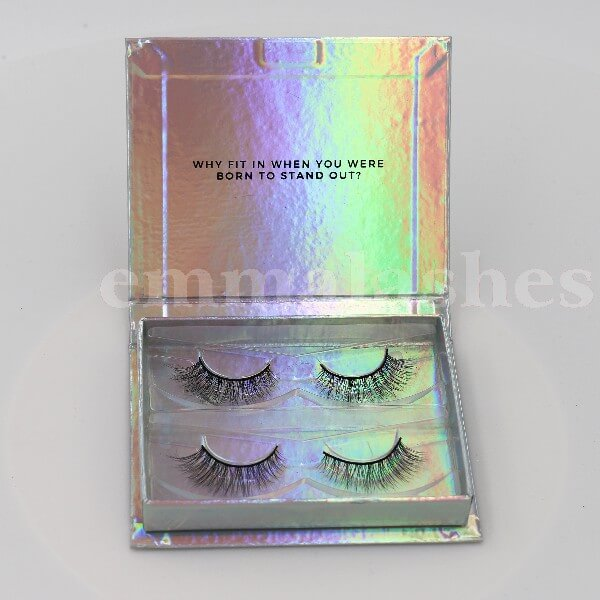 25mm-3d-mink-lashes-with-custom-packaging