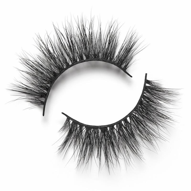 Miami lashes from mink lashes vendor Emma Lashes